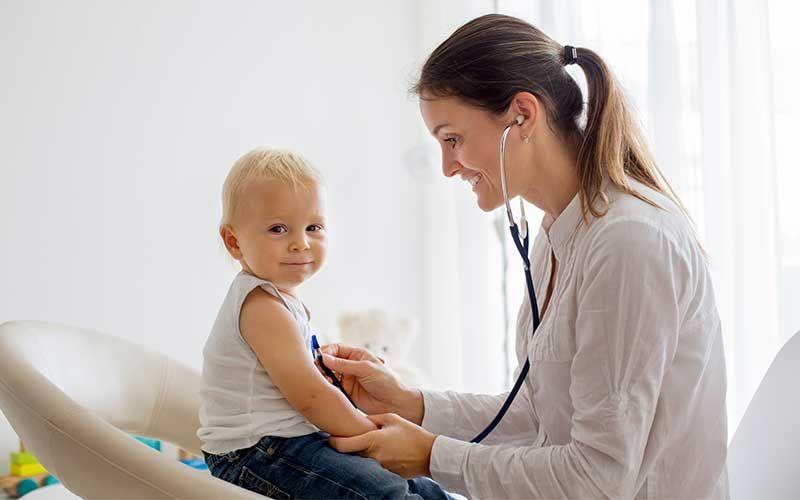 Consultation chez un pédiatre