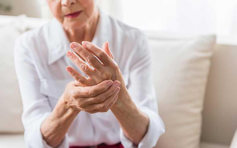Douleurs à la main, canal carpien