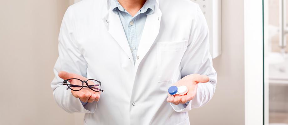 lunettes - lentilles de contact - prescriptions médicales - porter des lunettes - porter des lentilles - renouveler ses lunettes - renouveler ses lentilles de contact - ophtalmologue - loi lunettes - loi lentilles