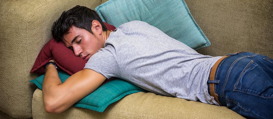 sommeil - position pour dormir - apnée du sommeil - dormir sur le dos - dormir sur le ventre - dormir sur le coté